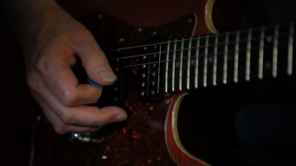 hands003
